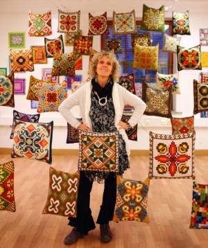 Lizz Daniels,Norwegian Folk Art
